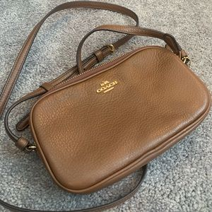⭐️Brown COACH camera bag-great condition⭐️